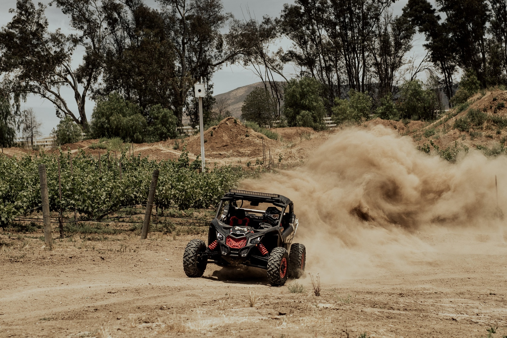 Can-Am Maverick  X rs Turbo RR MY21 dirt road