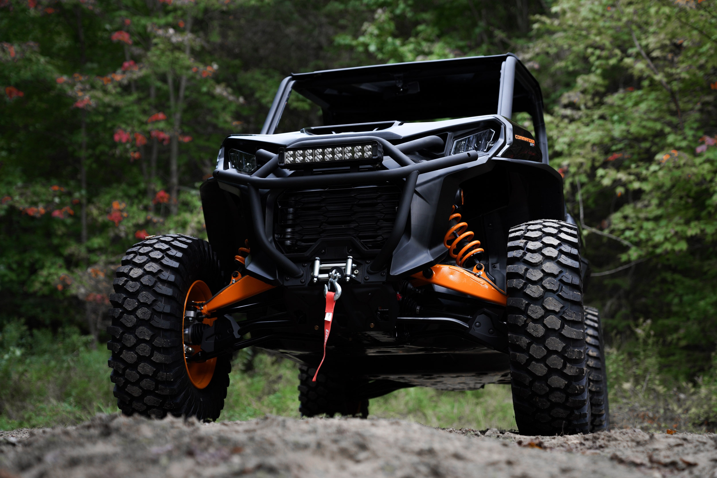 Can-Am Off-Road Commander 2021 Side by side vehicle with versatile XPS tires